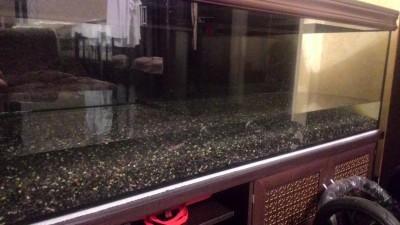 Нужен совет по склеенному аквариуму, помогите - P_20180527_221029.jpg